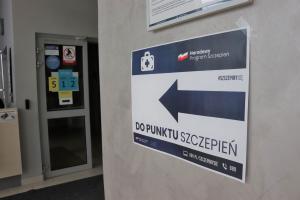 Ruszyły szczepienia w Arenie Lodowej (aktualizacja)