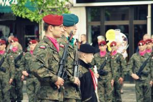 Obchody 3 Maja w Tomaszowie. Debiut Chóru Miejskiego i koncert Wołyńskich Słowików